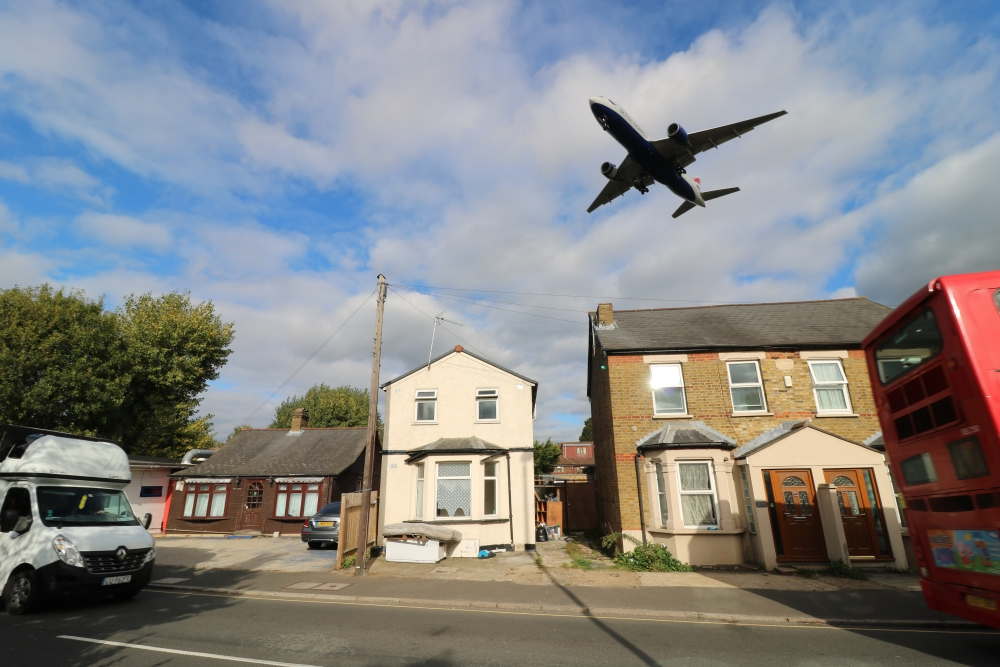Houses directly under flight path