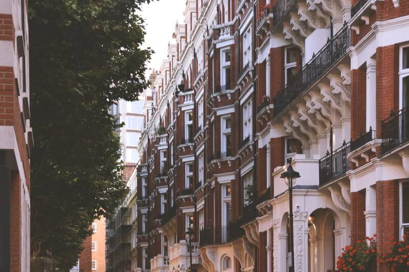 London red brick flat going to auction